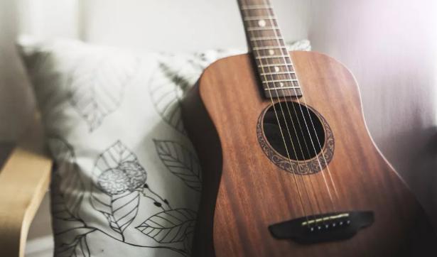 如何防止吉他琴弦生锈?琴弦生锈了怎么办?